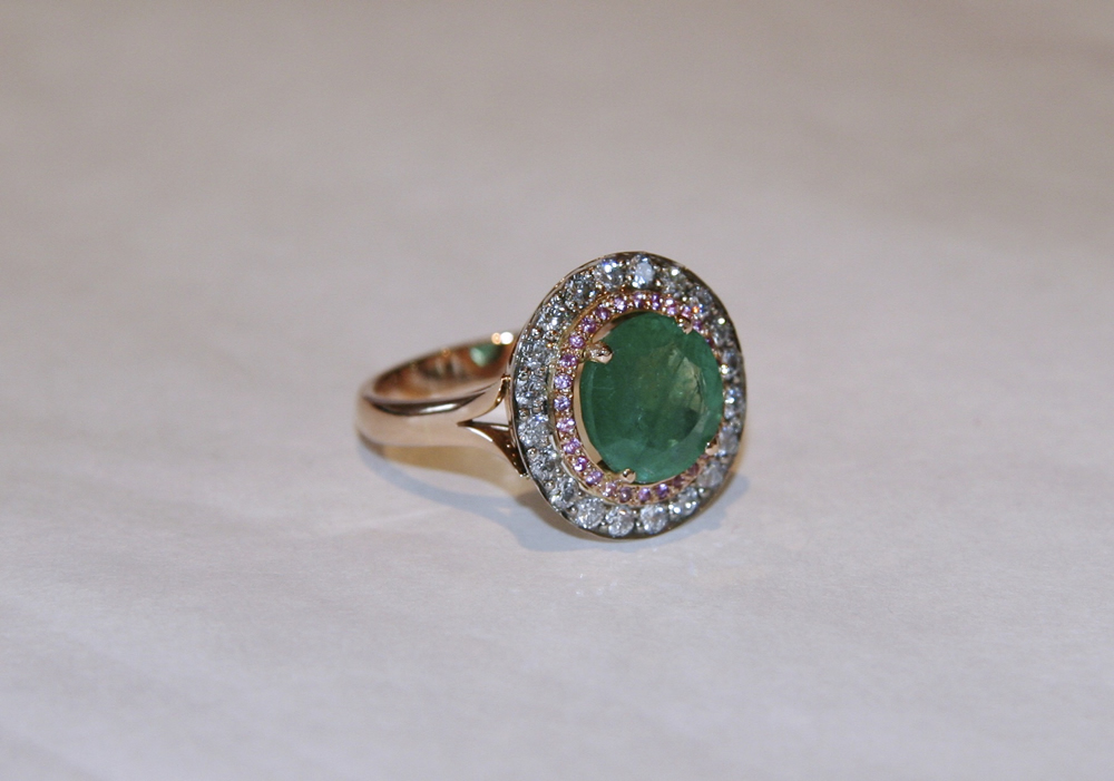 The finished ring showing the pretty contrast between the green and pink, highlighted by setting the ring in rose gold